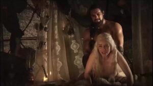 emilia clarke daenerys jerk off challenge